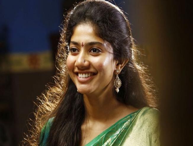 Sai Pallavi Roped In For Mahesh Babu Anil Sunkara Movie