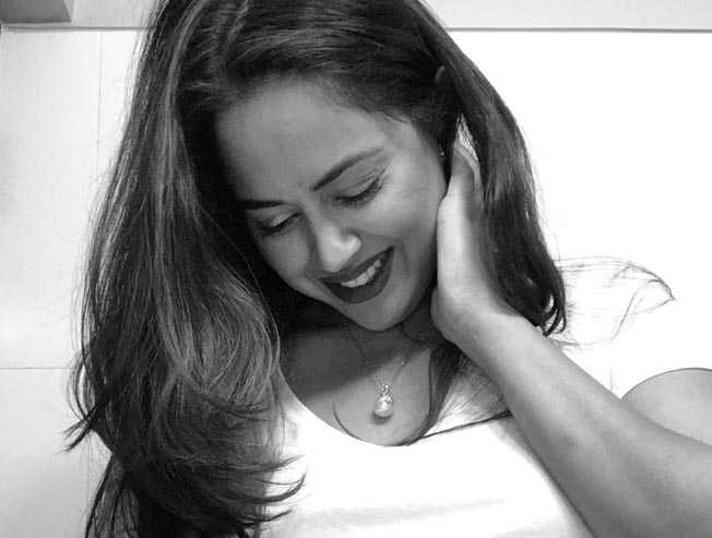 Sameera Reddy births girl baby born on 12th July