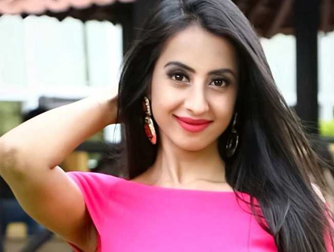 Kannada actor Sanjjanaa Galrani to play a boxer in Arun Vijays Boxer movie - Tamil Movie Cinema News