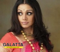 Kissing somebody in public is not okay: Shobana