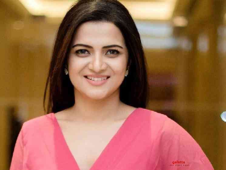 DD Dhivyadharshini pens an emotional positive note to herself - Tamil Movie Cinema News