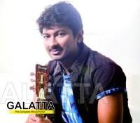 Udhayanidhi, Santhaanam in Aanpavam remake?
