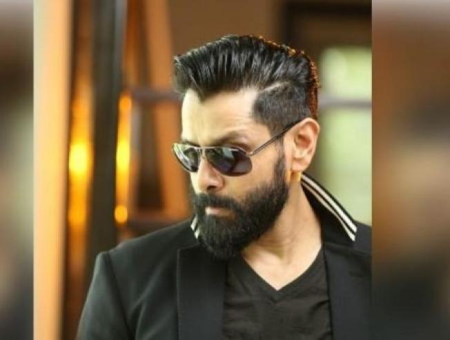 Vikram's huge update on Dhruva Natchathiram!