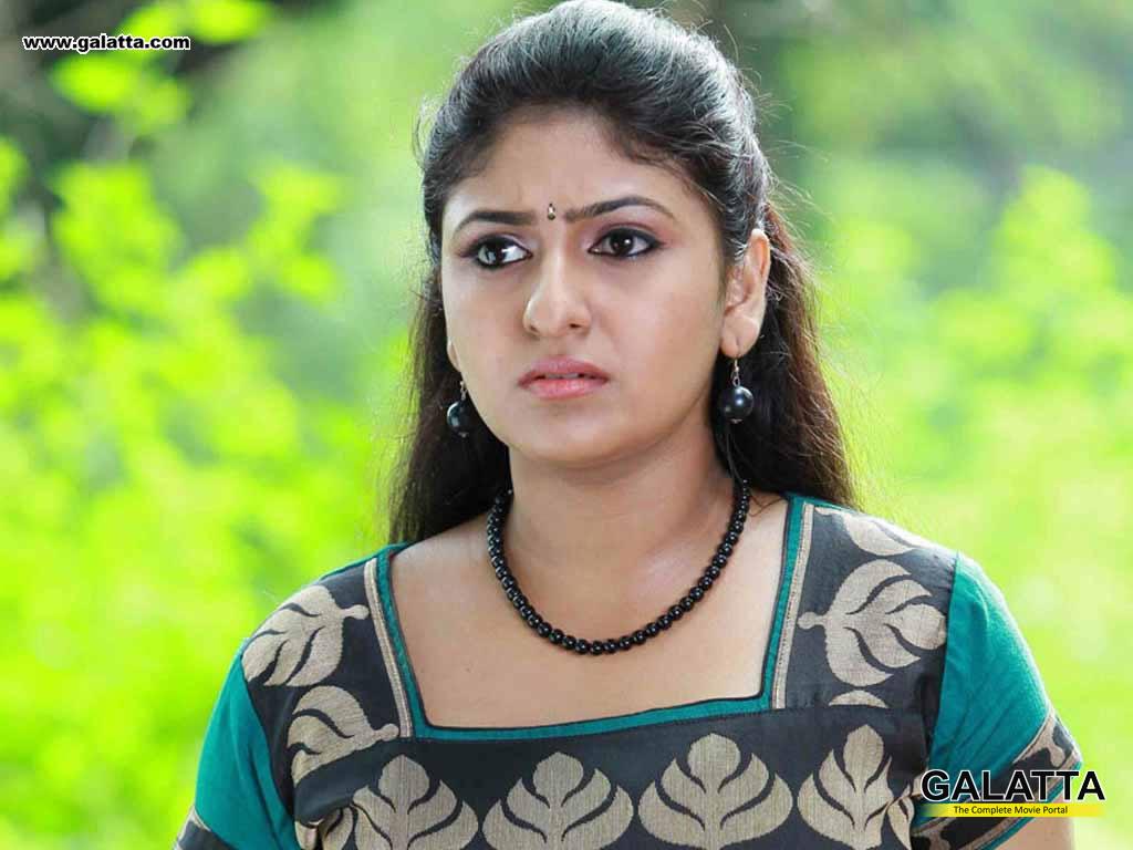 monika wallpapers medium 1 - malayalam actors, malayalam actresses