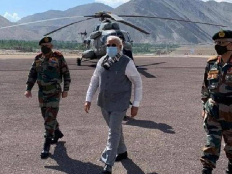 Prime Minister Modi makes surprise visit to Ladakh & addresses soldiers along LAC!