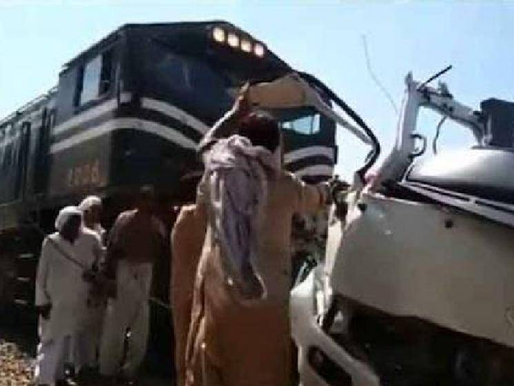 Tragic accident: Train rams into bus carrying Sikh pilgrims... Over 29 killed!