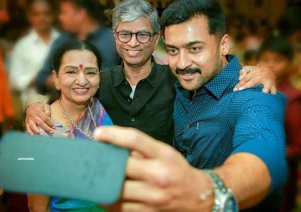 Suriya's Viral Selfie With Vijay's Parents - Dets Here!