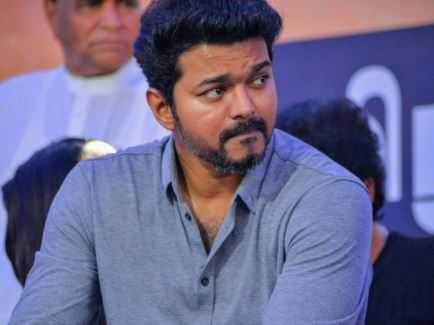 Thalapathy Vijay And Fans' Warm Gesture Steal Hearts!